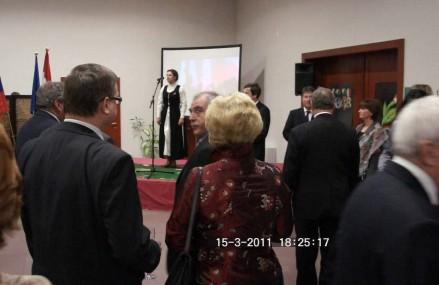 Heizer Antal nagykövet Pozsonyban kitüntetéseket adott át