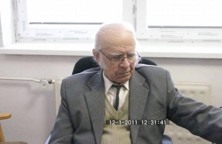 Tőzsér Árpád olvassa föl verseit